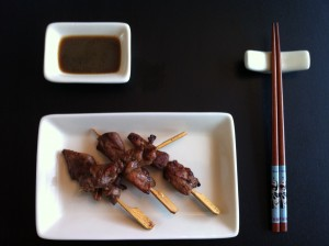 Yakitori, het Japanse, gegrilde kipsateetje…